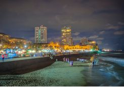 colombo-beach-night