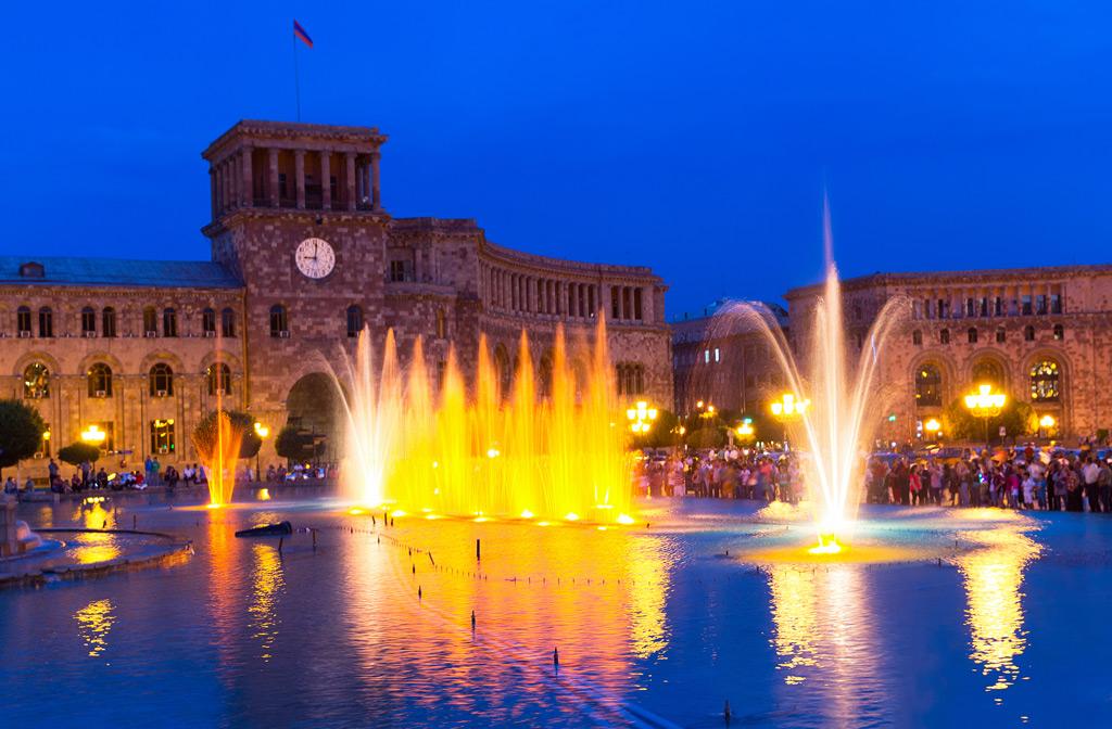 Фото: Поющие фонтаны