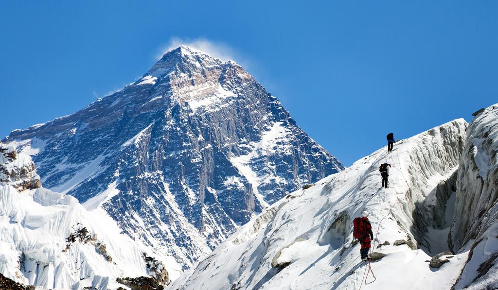 Фото: Путь к базовому лагерю Эвереста