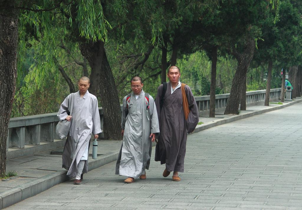Фото: Монахи