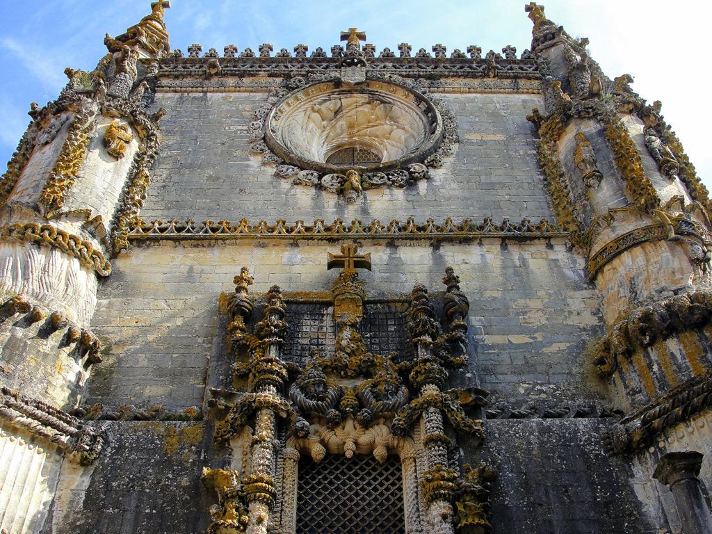 Фото: Западный фасад замка