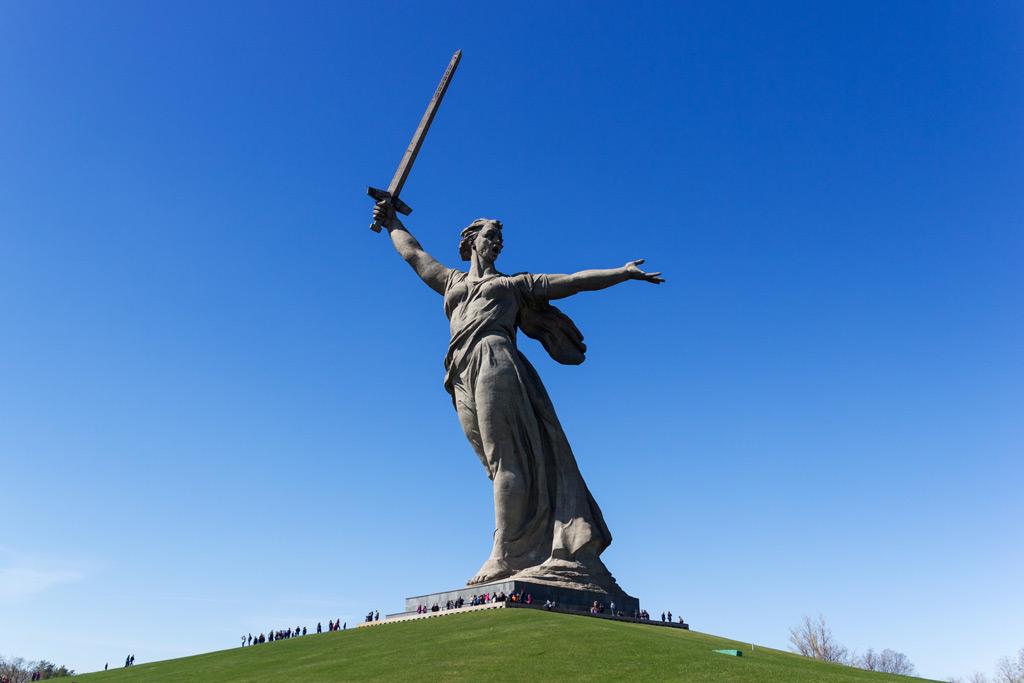Фото: Монумент «Родина-мать зовет!»