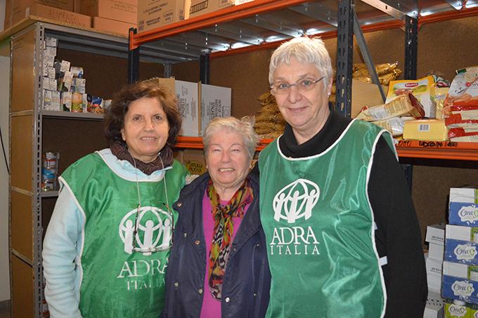distribuzione di aiuti con ADRA Bologna