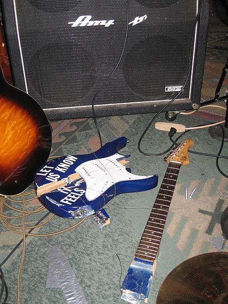 כך תבחרו לעצמכם גיטרה חדשה by Mel Rosenberg - מל רוזנברג - Ourboox.com