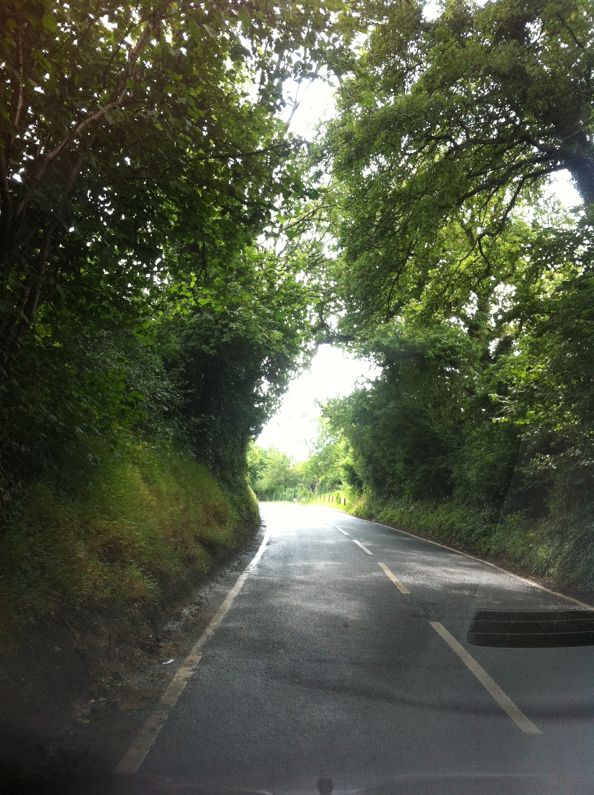 A summertime trip through the narrow roads of Kent, UK