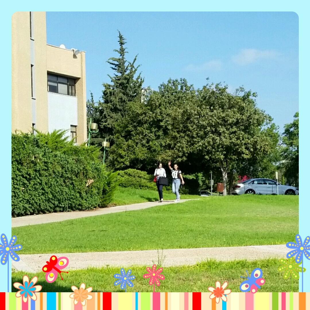 רגעי יוזמתון by Sigal Magen - Illustrated by צילומים: סיגל מגן - Ourboox.com