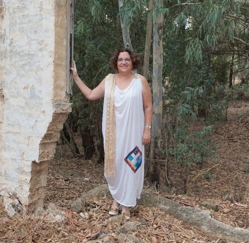 הבגד הזה by Sigal Magen - Illustrated by צילומים: כרמלה קיט     עיצוב ודוגמנות: סיגל מגן - Ourboox.com
