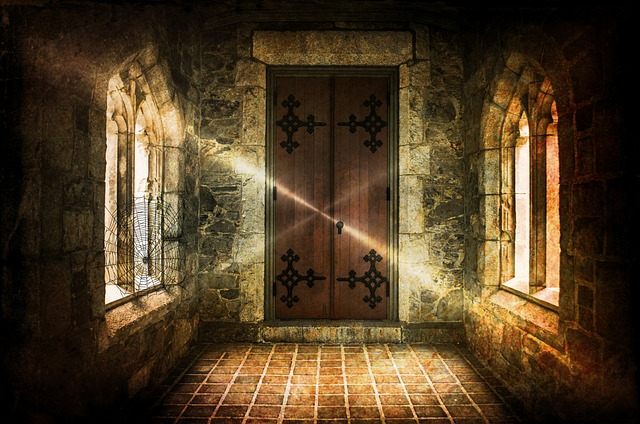 HAUNTED HOUSES, GHOSTS AND CREEPY TALES by francesca capozzella - Ourboox.com