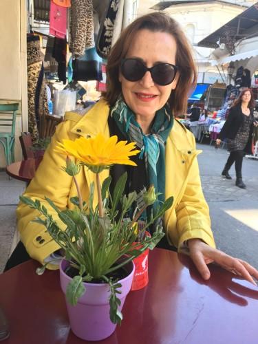 Τα όμορφα χρώματα της Κικη Ιορδανιδου The beautiful colors of Kiki by Shuli Sapir-Nevo Photo and Motto - Illustrated by Κικη Ιορδανιδου- Kiki Iordanidou - Ourboox.com