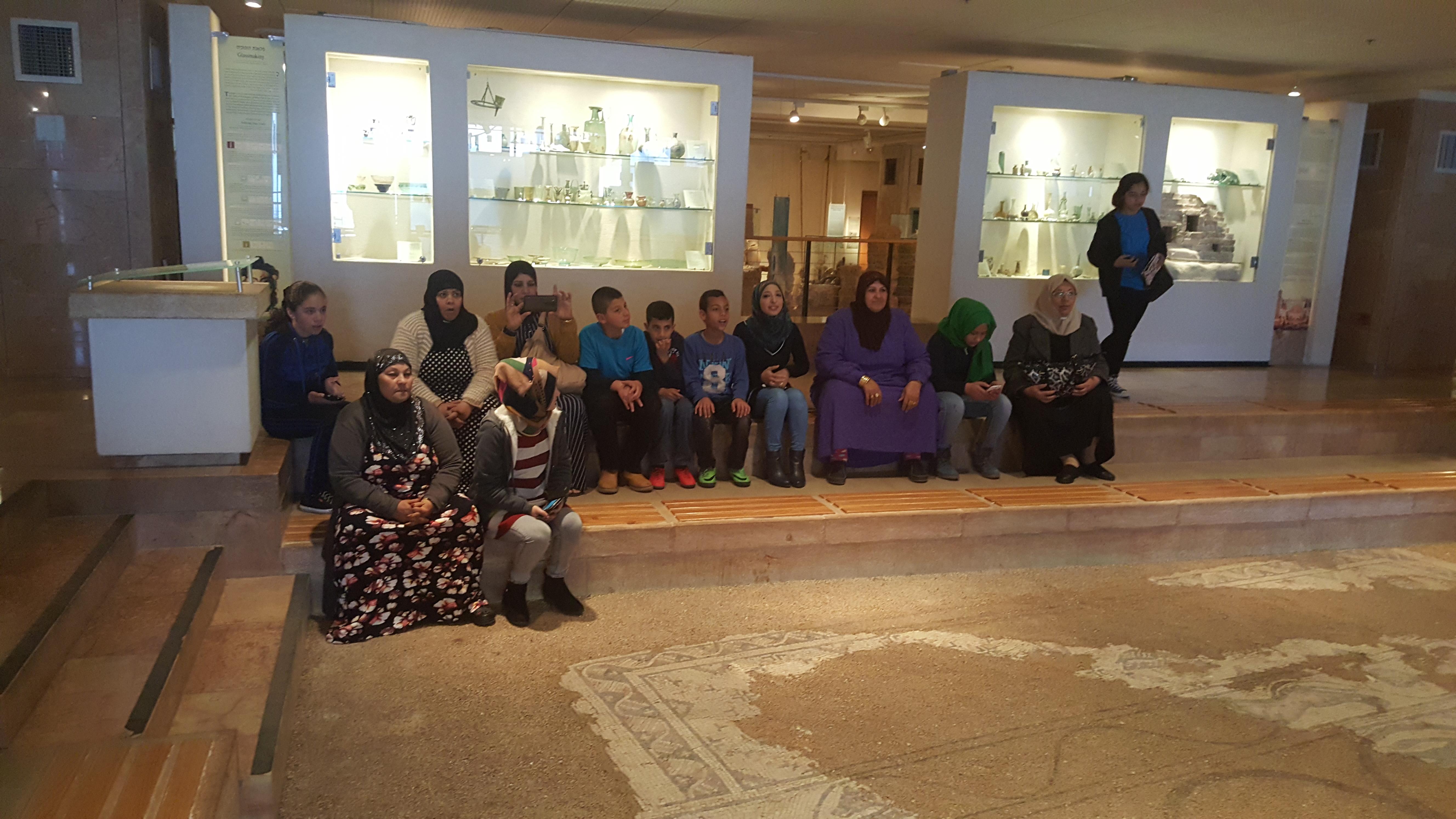 جسر الاجيال- مدرسة المتنبي ام الفحم by fatima  - Ourboox.com