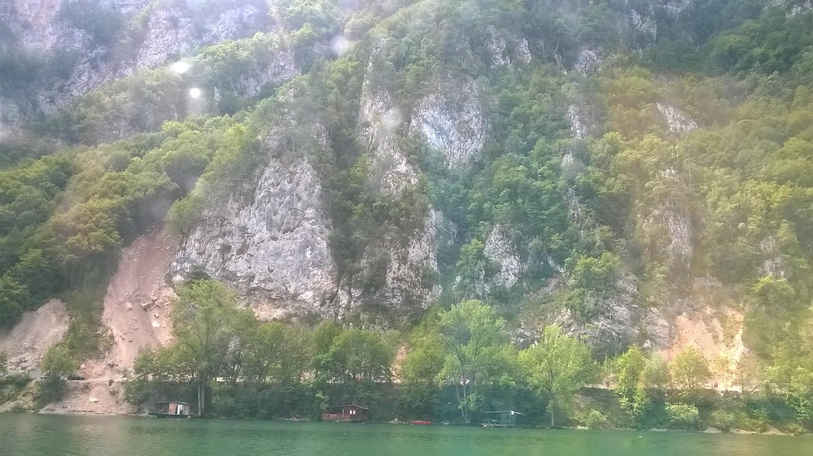 језеро и планина