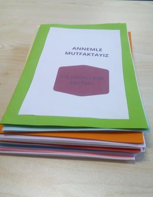 ANNEMLE MUTFAKTAYIZ, PROJE SONU ORTAK KİTABIMIZ by Birgül Gökçek - Illustrated by Annemle Mutfaktayız - Ourboox.com