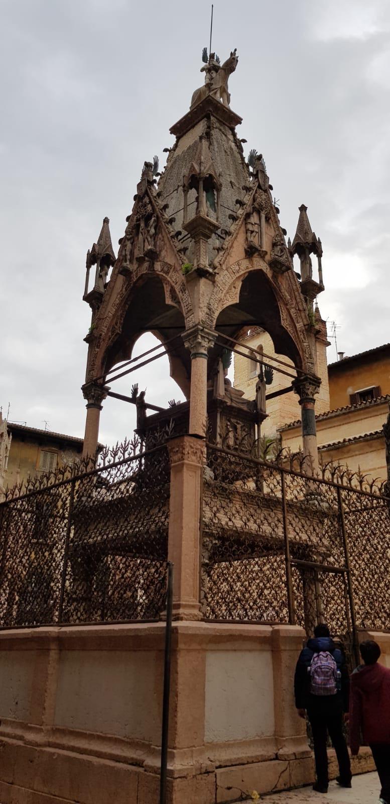 A magic adventure in Verona by Giovanni Berni - Illustrated by Giovanni Berni - Ourboox.com