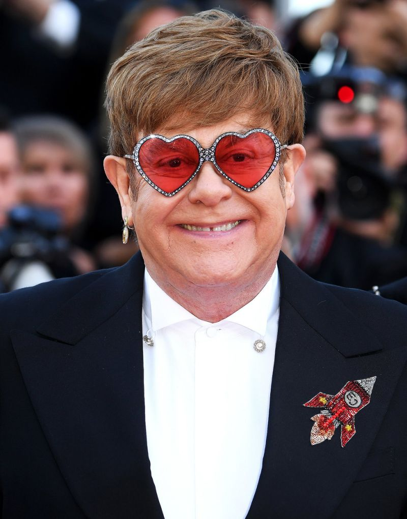 Elton John by May Shefer - Illustrated by May Shefer - Ourboox.com