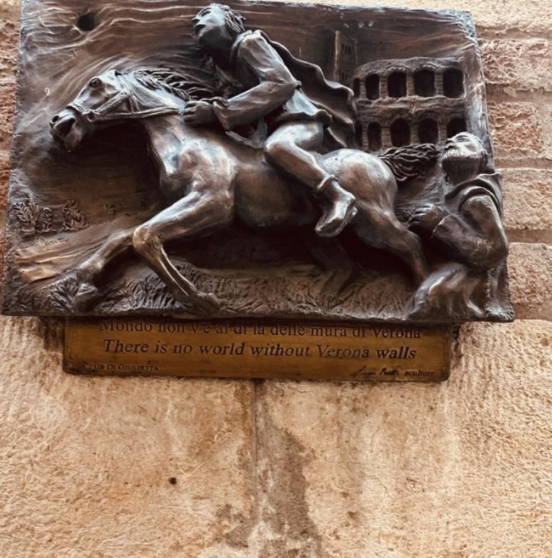 Our trip in Verona by Lucrezia, Anastasia & Raffaele - Ourboox.com