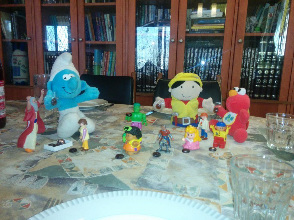 """שולחן ערוך לפרשה – כי תשא by Gili Katz - Illustrated by משפחת כ""""ץ - Ourboox.com"""