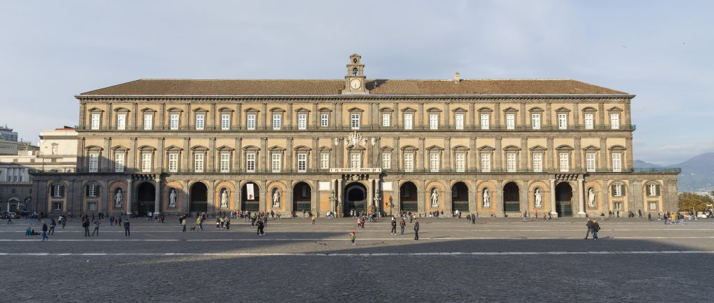 in visita ai palazzi reali by lorenzo sarracino - Illustrated by Lorenzo Sarracino - Ourboox.com