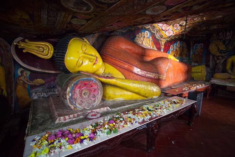 Socha Buddhy v Aluvihara