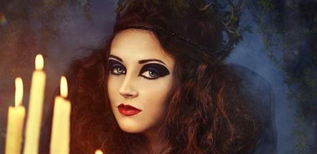 Scotland's Femme Lesbian Spooky Singles Mingles