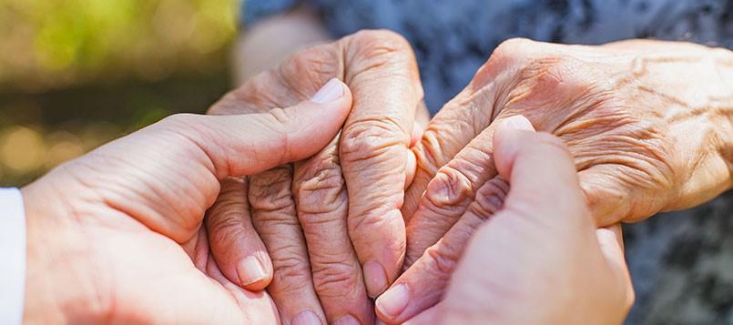 Prevenir-el-Alzheimer-manos