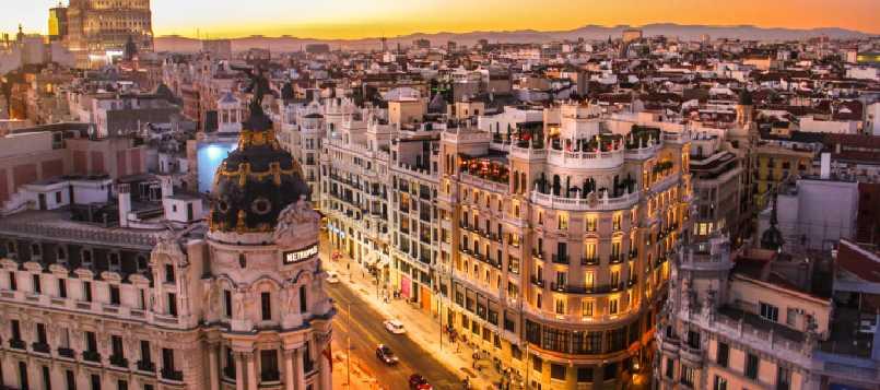 Compra ya tu pegatina de la DGT si vas por Madrid