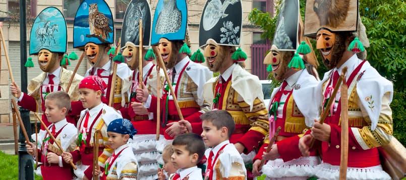 Disfruta-del-Carnaval-de-Laza-y-Verín