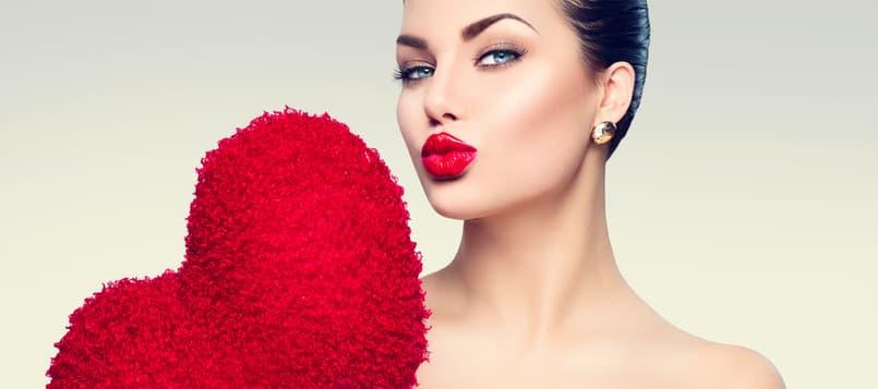Vuelvete un apasionado porque besar a tupareja te aporta beneficios