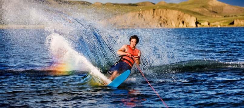 Qué-es-el-esquí-acuático-1