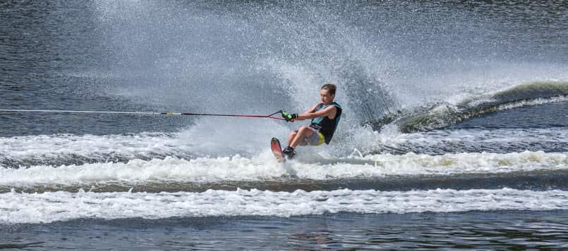 Qué-es-el-esquí-acuático-4