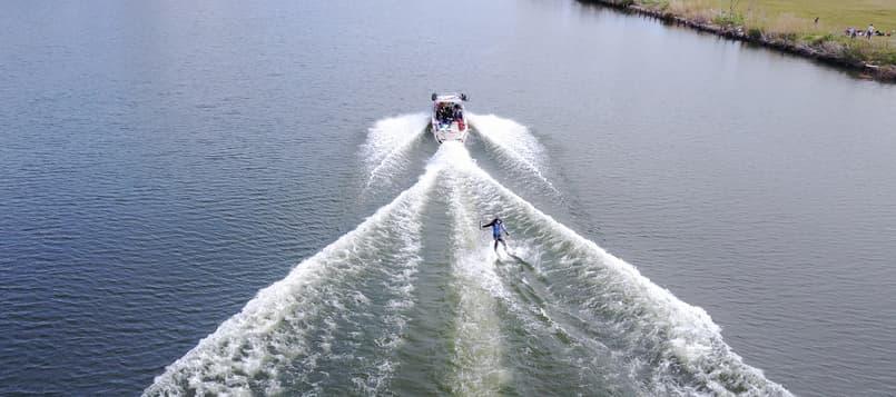 Qué-es-el-esquí-acuático-10