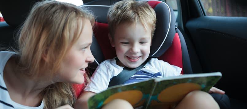 Diversión-con-niños-en-el-coche-8