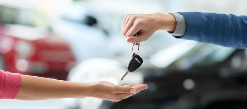 qué-hay-que-tener-en-cuenta-al-comprarse-un-coche-este-2020-1