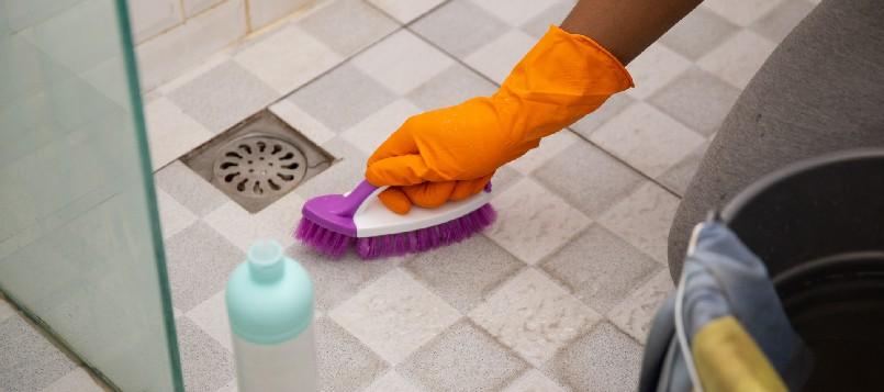 limpiar-baño-8