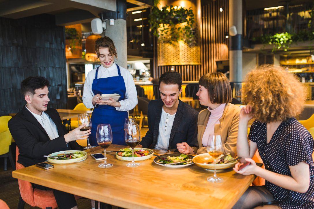 Dialogo De Un Restaurante En Ingles Expresiones Habituales