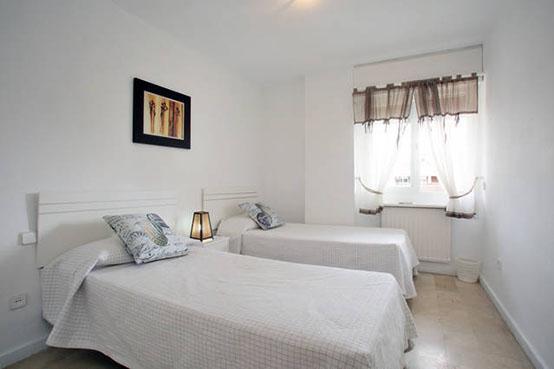 Apartment-14B-guest-bedroom