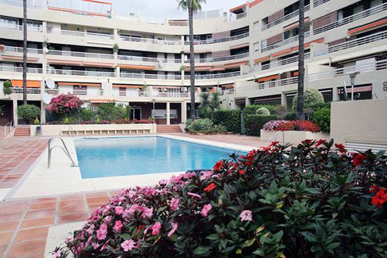 Marbella-pool