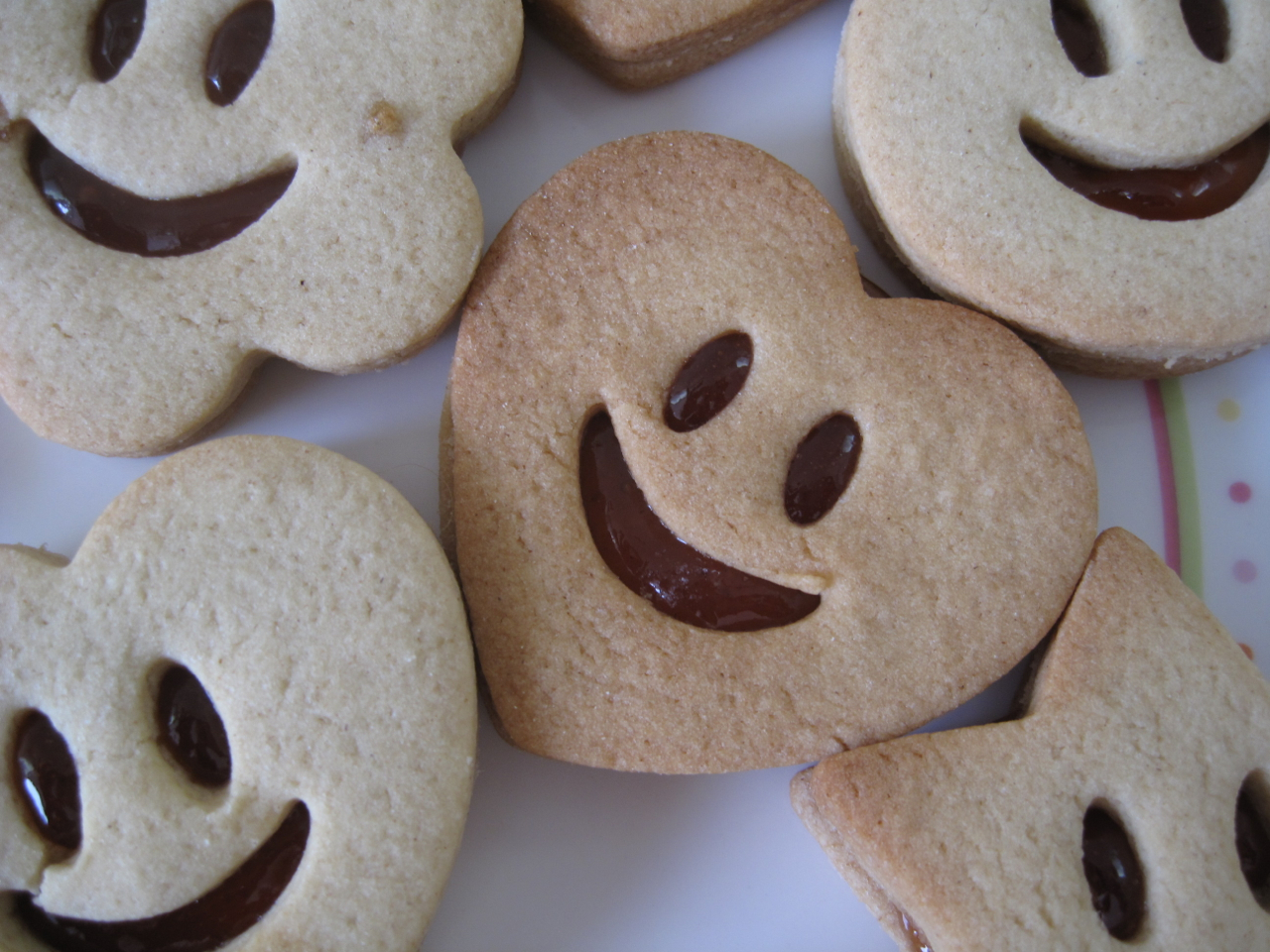 smiley jammy dodger biscuits