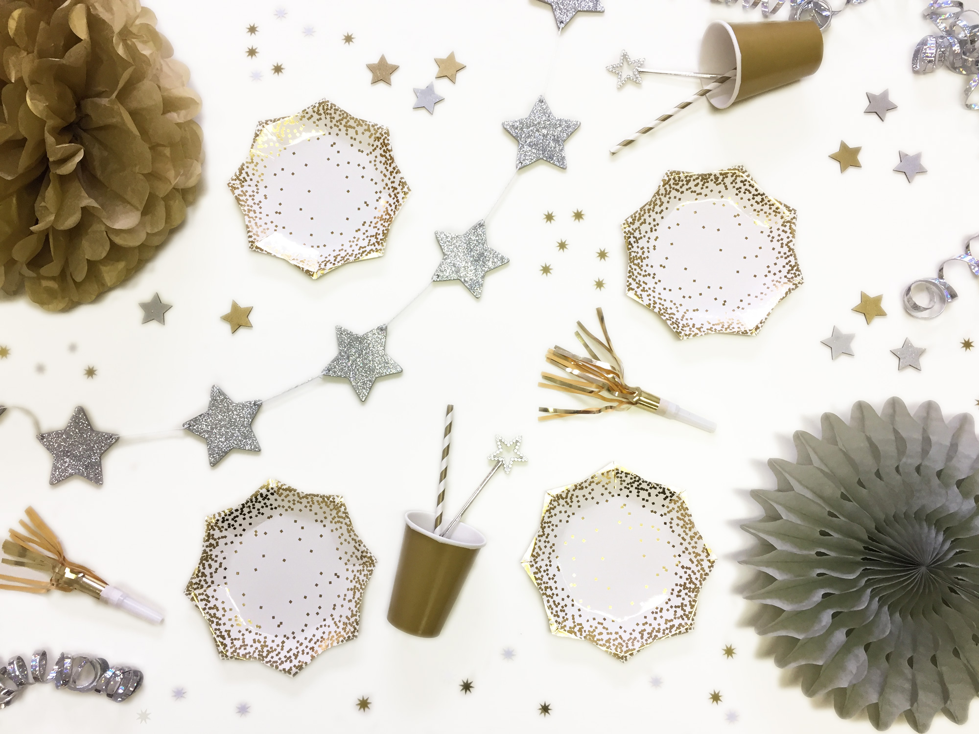 Silver and gold metallic party table display
