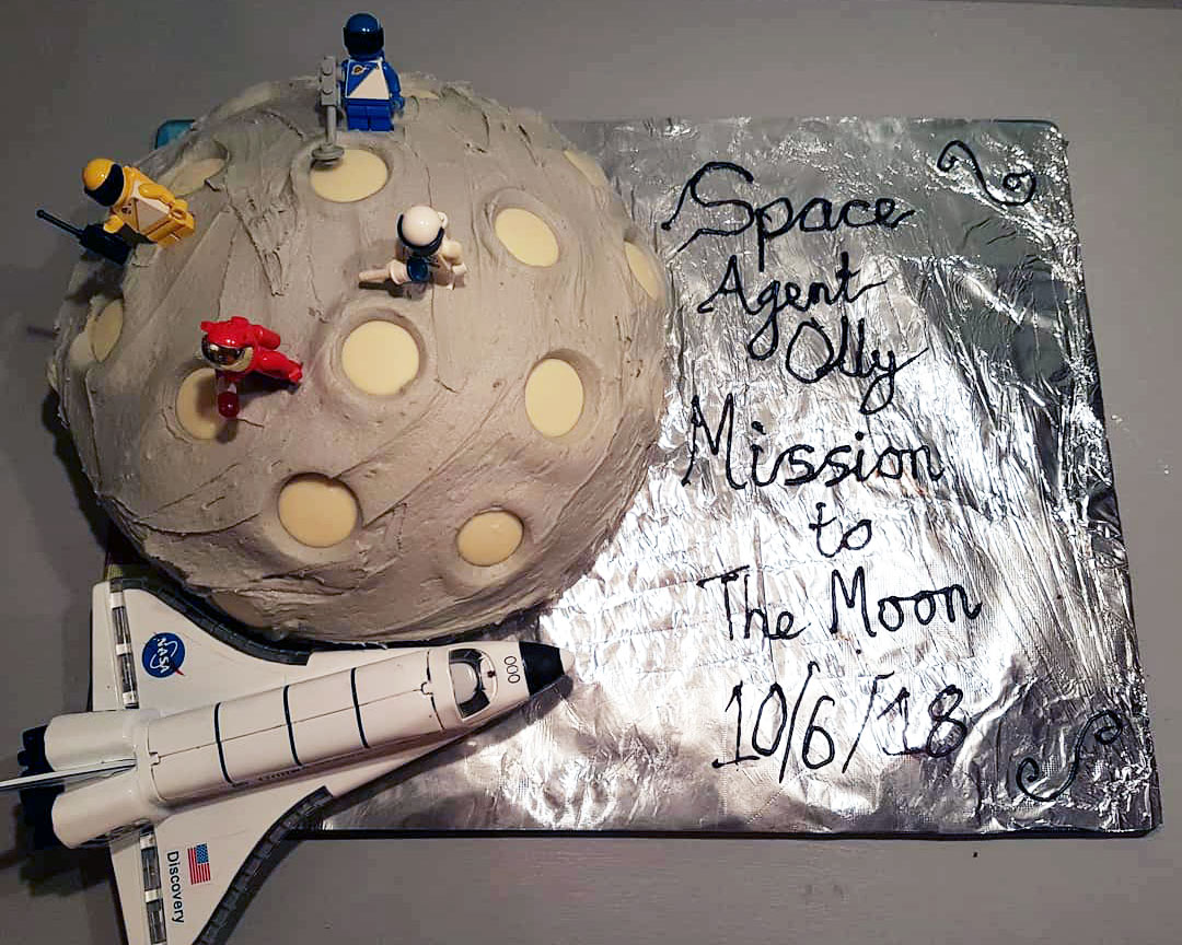 Moon Landing Cake – Guest Blogger – Robyn Embrey