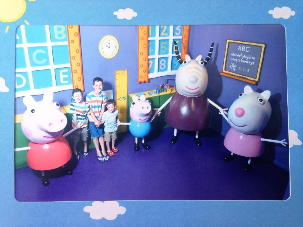 Madame Gazelles School House Scene at Peppa Pig World