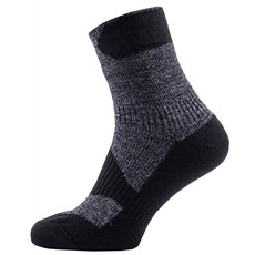 Sealskinz Walking Thin Ankle Sock | Dark Grey / Black
