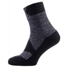 Sealskinz Walking Thin Ankle Sock | Dark Grey / Black