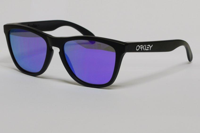 occhiali da sole a specchio colorati oakley