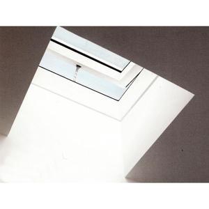 VELUX CVP - Finestra cupolino con apertura manuale