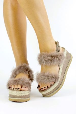 POPPY Beige Fluffy Flatform Sandals