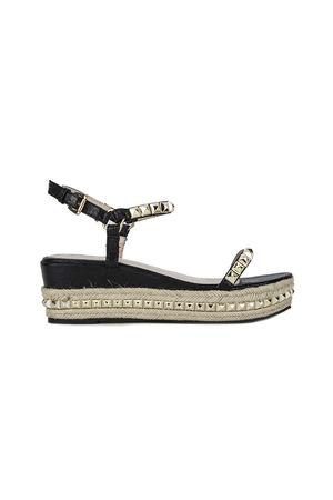 KRISTEN Black Stud Flatform Sandals