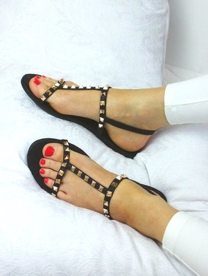 g/416/C7066-SANDALS-STUDDED-BLACK-PIC2__98083.jpg