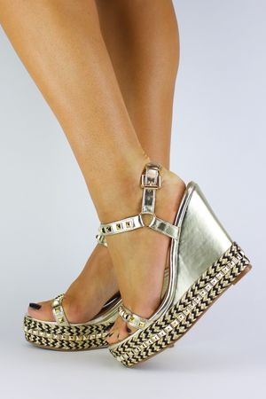 MELODY Gold Stud Wedge