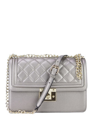BELLA Oyster Quilted Chain Shoulder Bag With Gold Detail £29.99