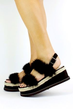 POPPY Black Fluffy Flatform Sandal